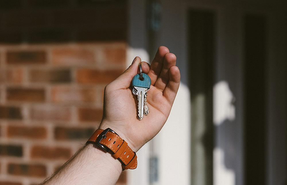 A photo of some house keys
