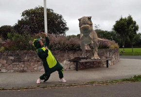 A photo showing how dinosaurs can appear in Central Park with a new app